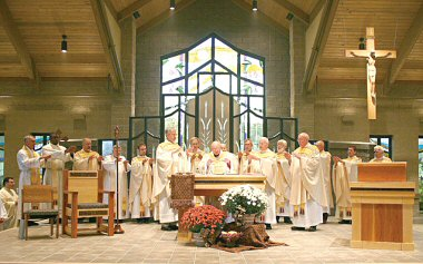 photo of dedication Mass for the new SS. Anthony and Philip Church in Highland on Sunday, Sept. 28, 2008